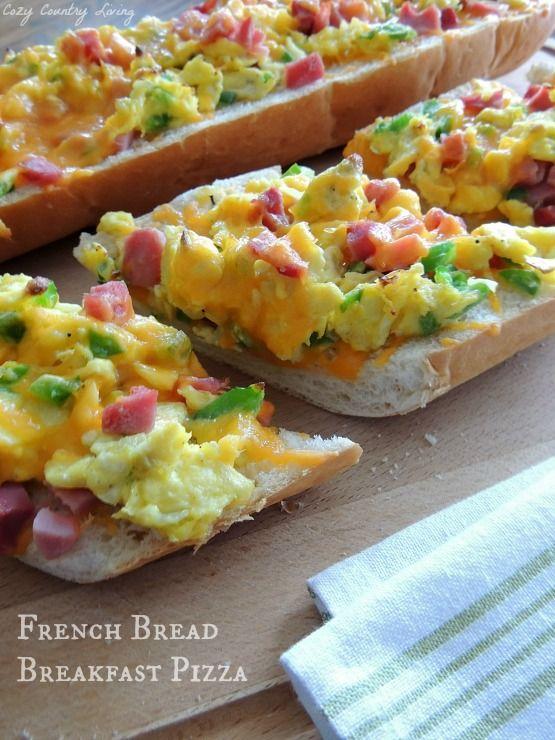 French Bread Breakfast Pizza http://www.cozycountryliving.com/french-bread-breakfast-pizza/ #breakfast #pizza