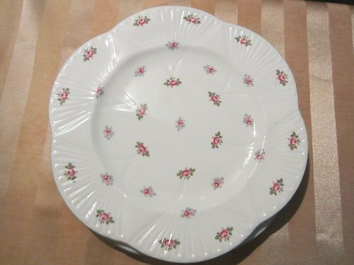 Dainty Shelley Bone China Rosebud Pattern 13426 Green Trim Dinner Plates | eBay |15 |