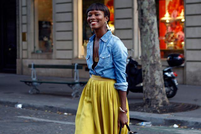 Denim shirt + yellow skirt = duo casual chic