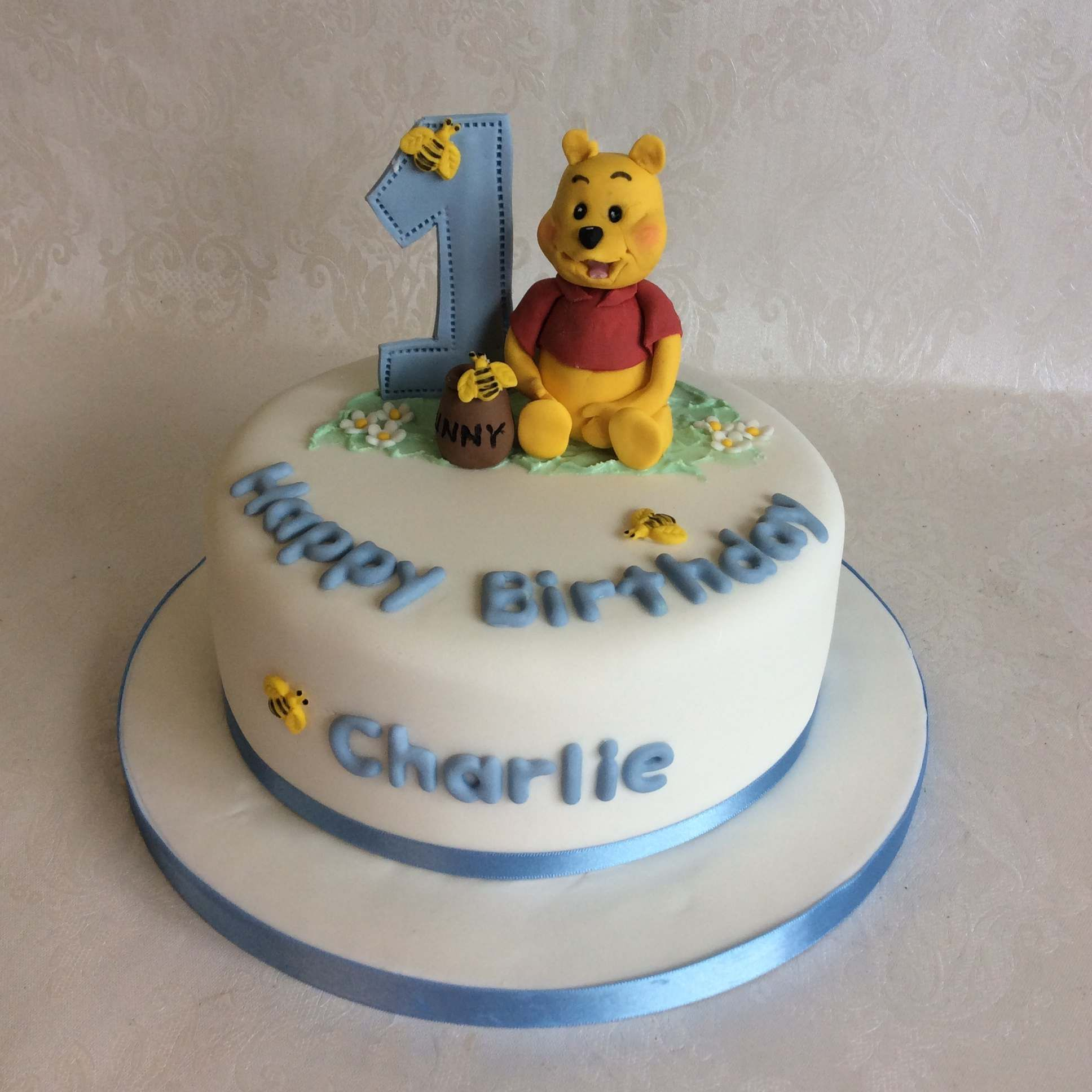 Simple Winnie cake for a little boy's 1st birthday