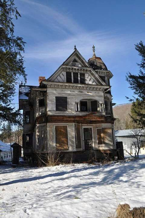 delaware county new york buildings barns abandoned places rh pinterest com Old Country Barns Old -Style House