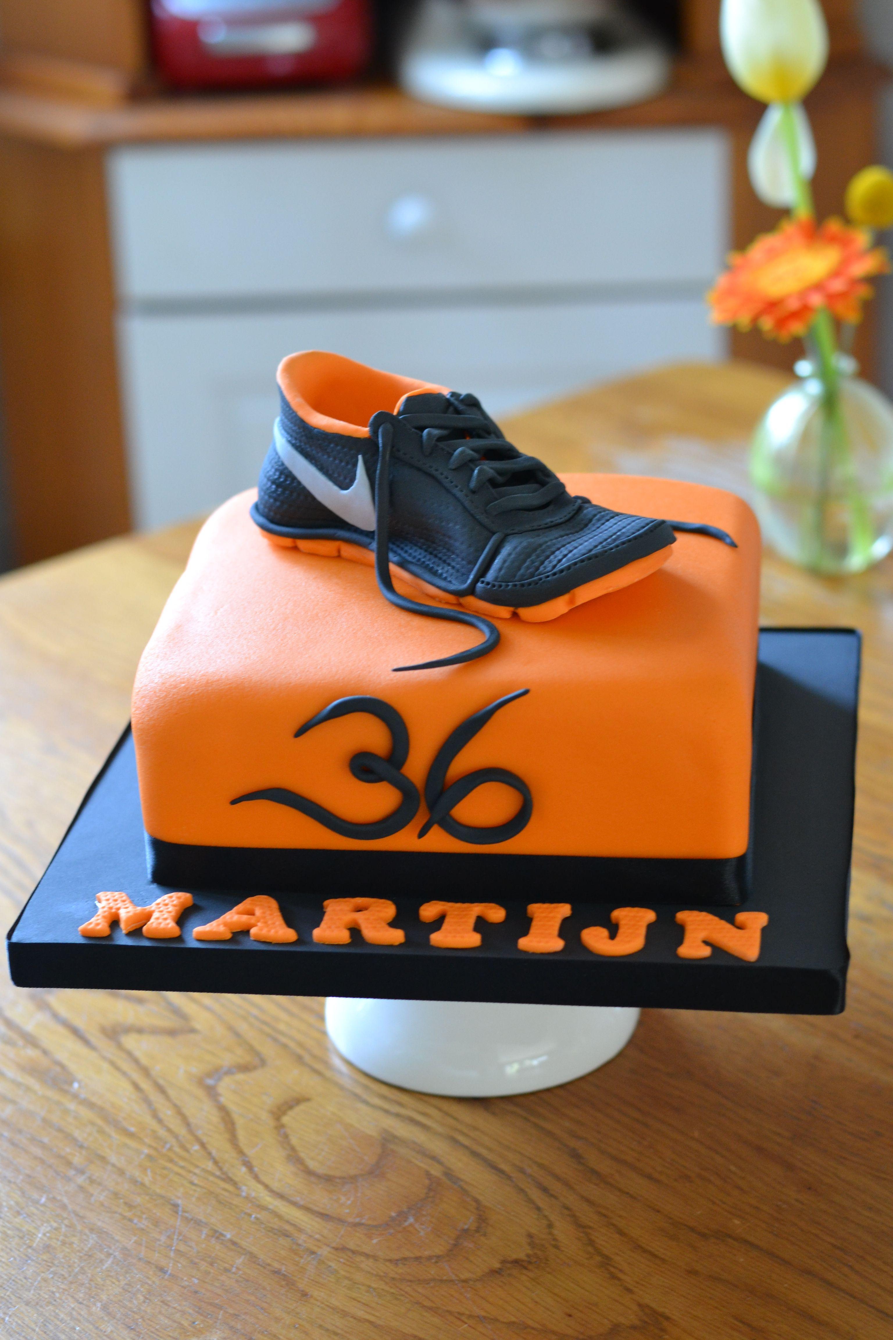 Running Shoe Cake Cakes Pinterest Running Shoes Cake And