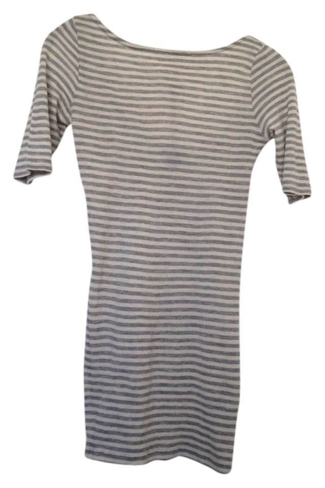 cashmere Club Monaco | Gray/off-White Stripe Cashmere Tee Shirt Size 2 (XS) Cashmere Shirt