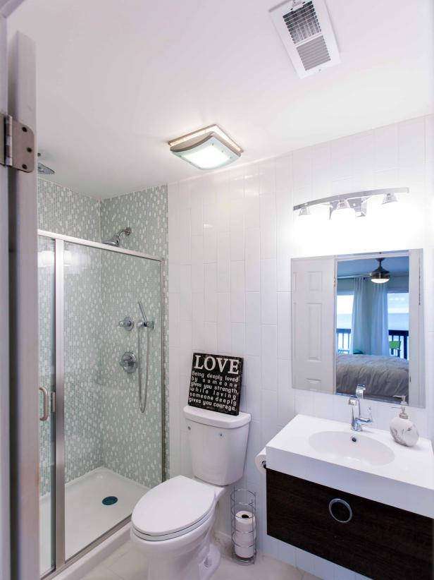 30 Small Bathroom Before And Afters Hgtv Small Bathroom Makeover Small Bathroom Remodel Small Bathroom Remodel Designs