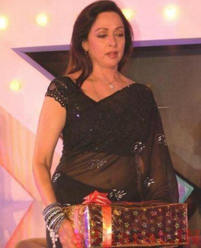 hema malini in black hot saree in 2019   Hema malini, Saree
