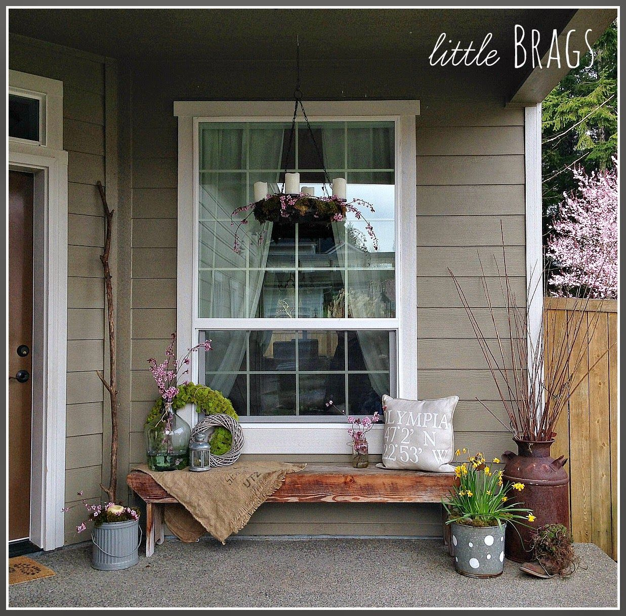 Easy DIY Spring Crafts Small porch decorating, Country