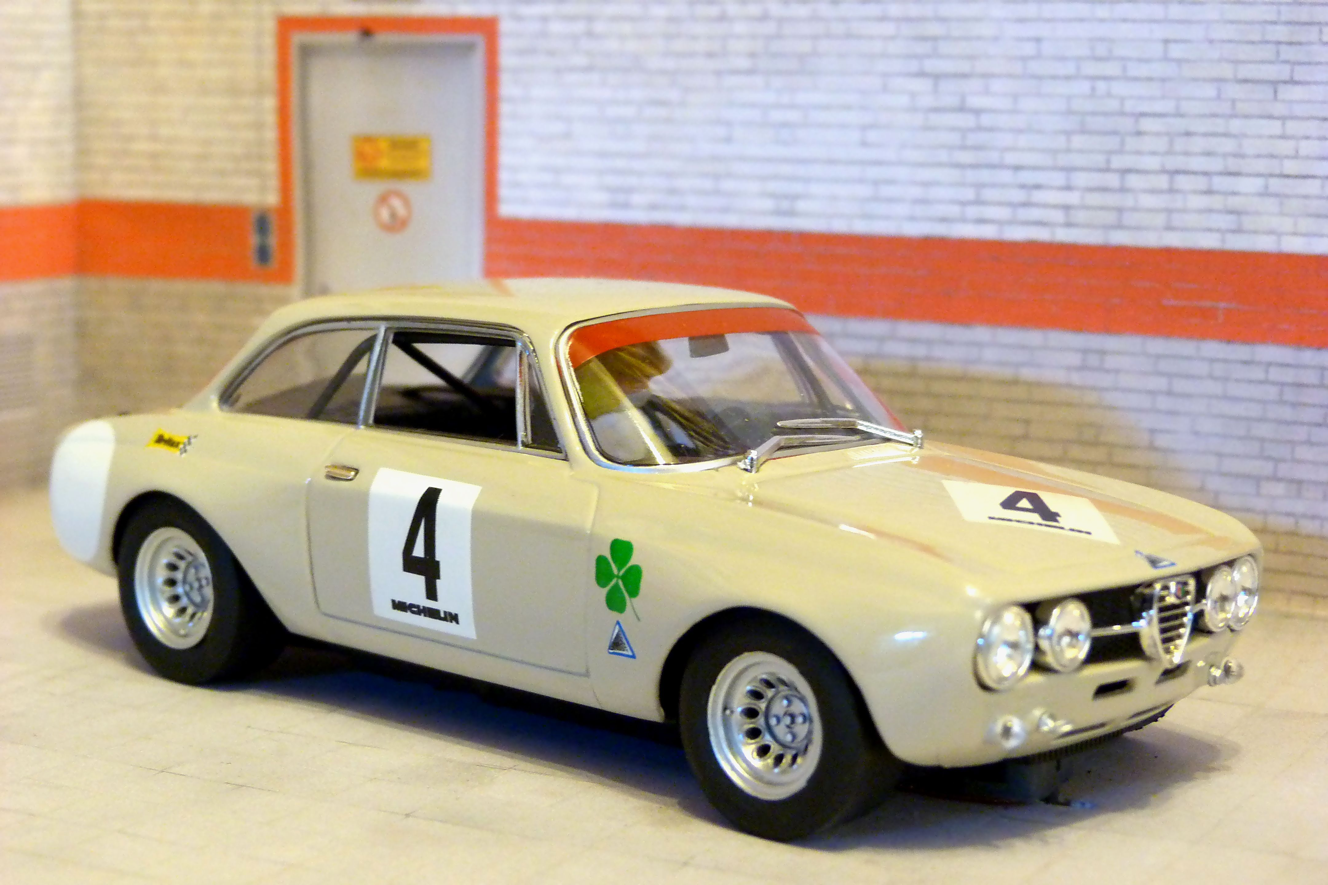 Fly Car Model Alfa Romeo Giulia GTAM