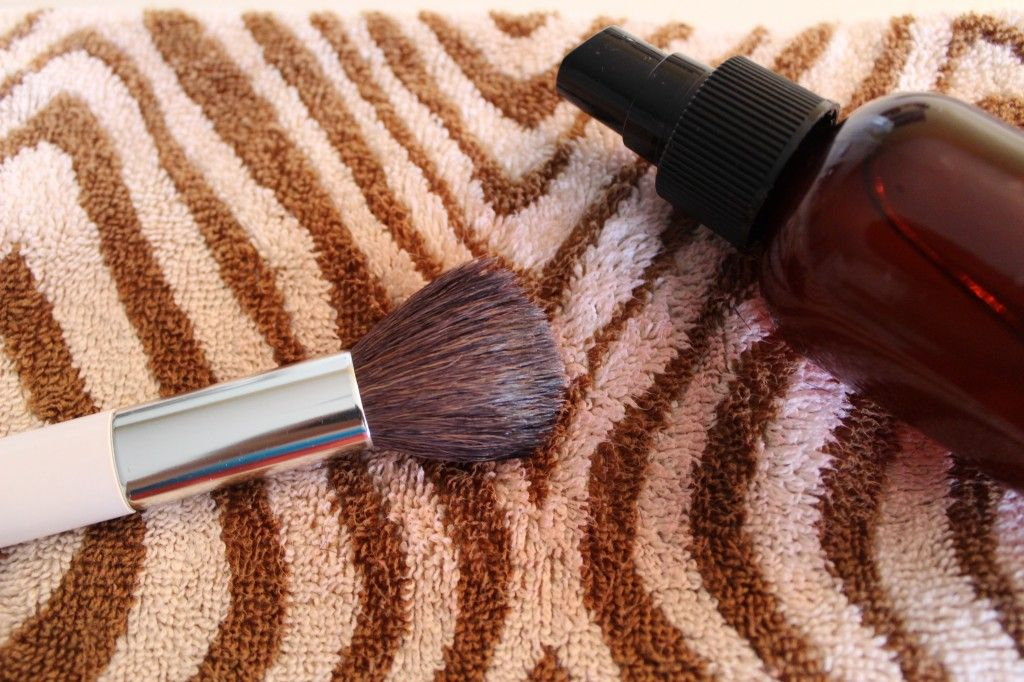 DIY makeup brush daily cleaner spray 70 Alcohol to 30