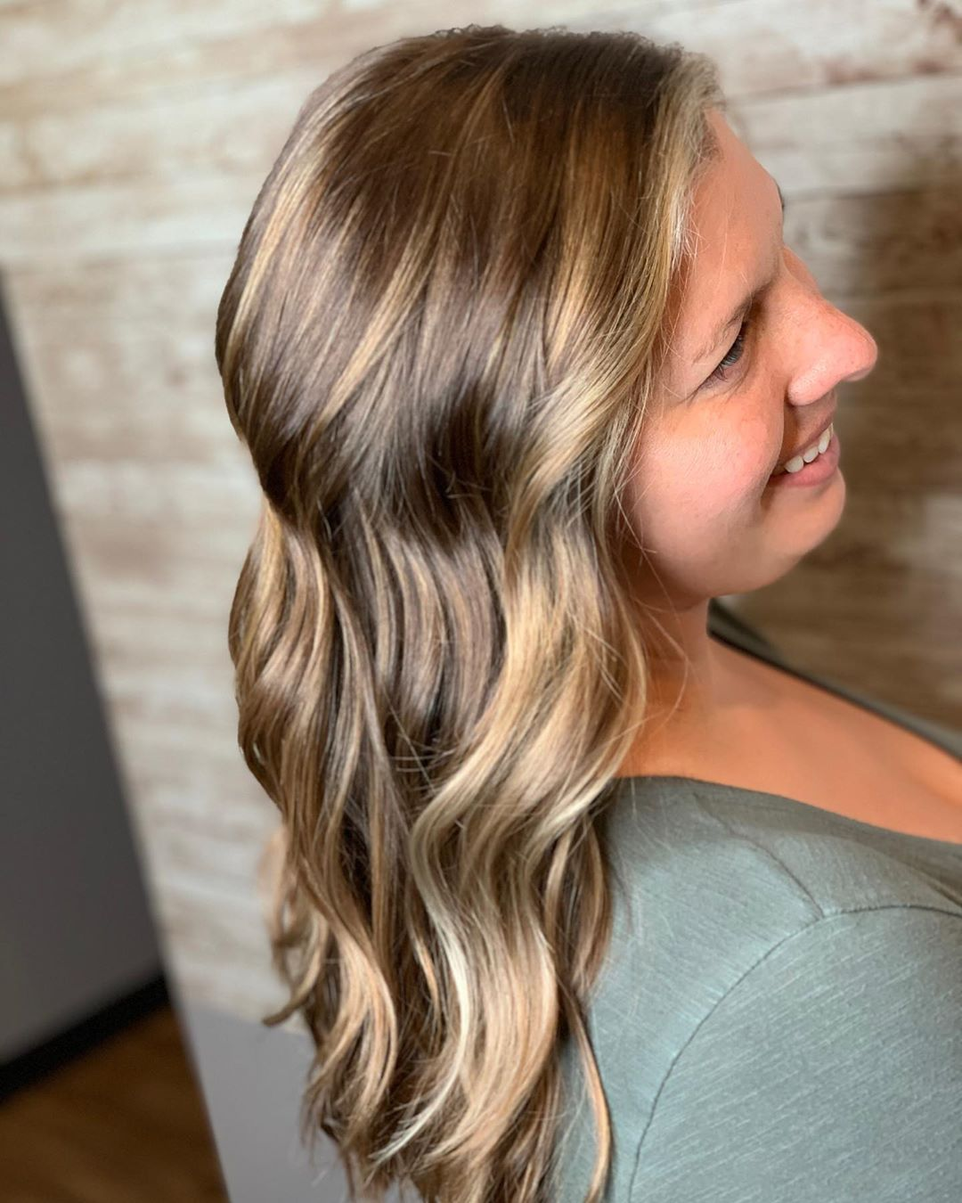Natural And Blended Apprentice Apprenticeship Fun Cute Beauty Beautiful Cosmetology Cosmetologist Hair Makeup N In 2020 Haare Haar Styling Aveda Farbe