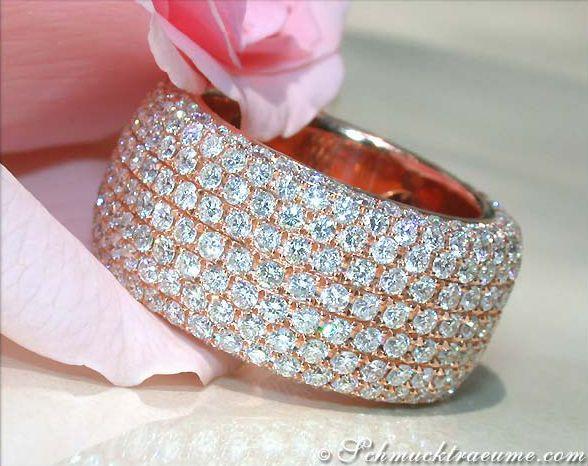 High-end: Exquisite Diamond Eternity Ring, 5,62 cts. G-VSI/VVSI, RG-18K -- Find out: schmucktraeume.com -- Visit us on FB: https://www.facebook.com/pages/Noble-Juwelen/150871984924926 -- Any questions? Contact us: info@schmucktraeume.com