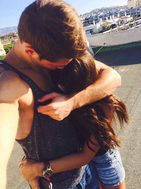 When you know your never gonna get a boyfriend so you torture yourself and pin cute couple goals