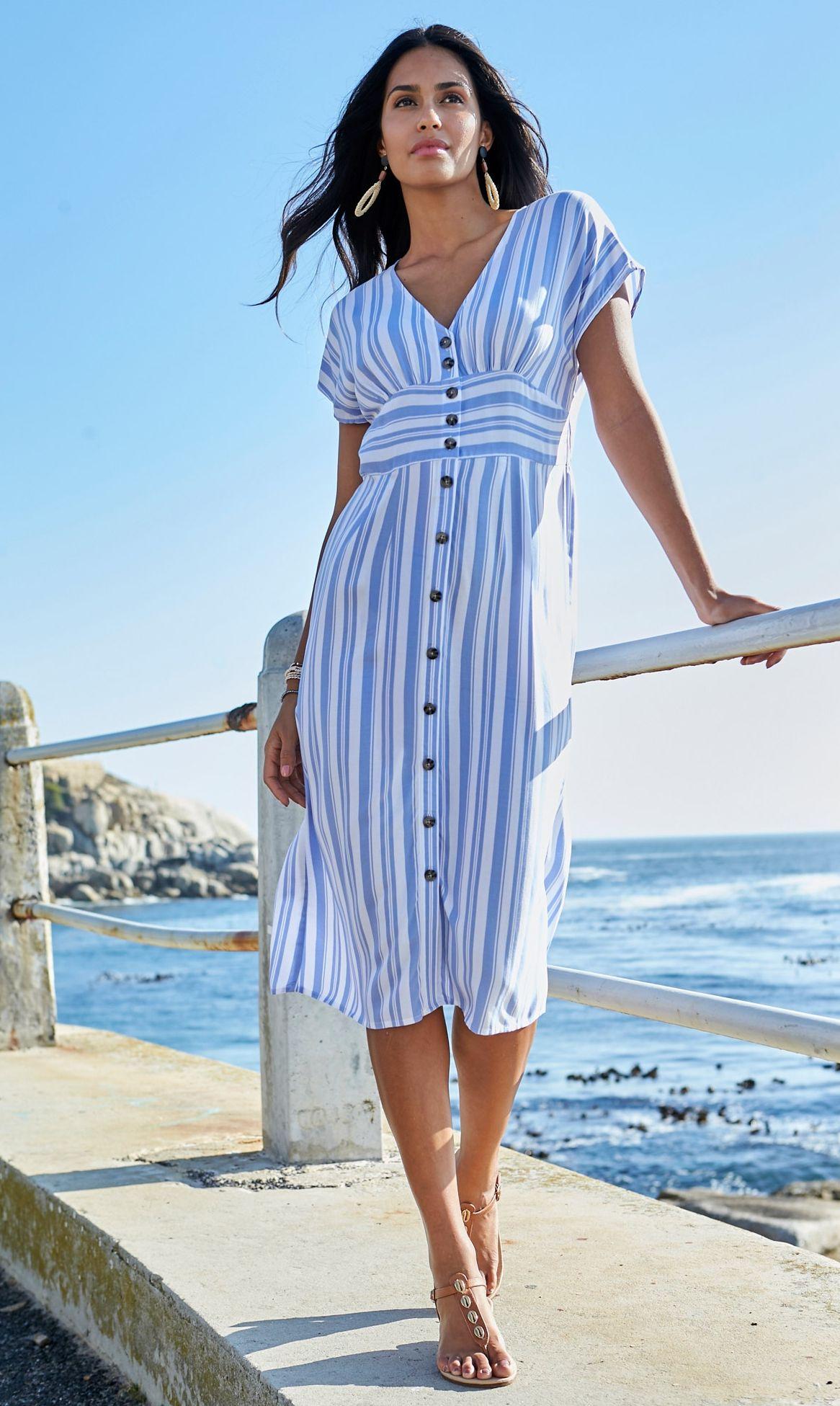 Bedrucktes Kleid, Streifendesign, durchzogene Knopfleiste ...