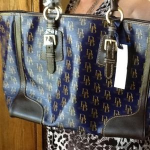 I just discovered this while shopping on Poshmark: Authentic Dooney Bag & Wallet. Check it out!  Size: OS