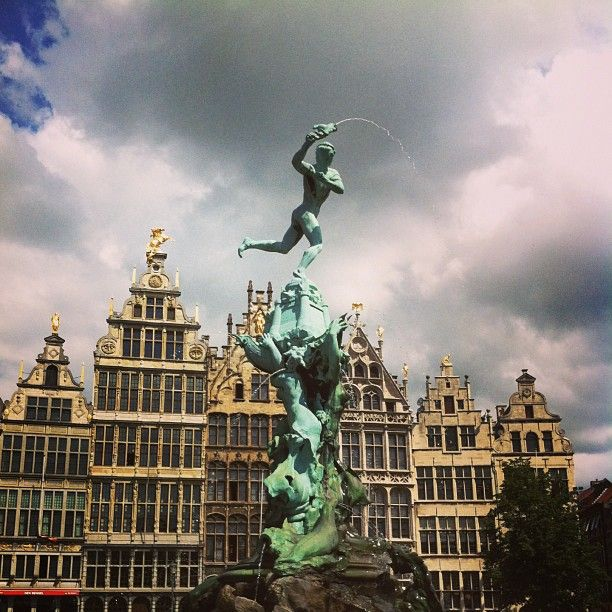 pic by @This Is Antwerp Grote Markt