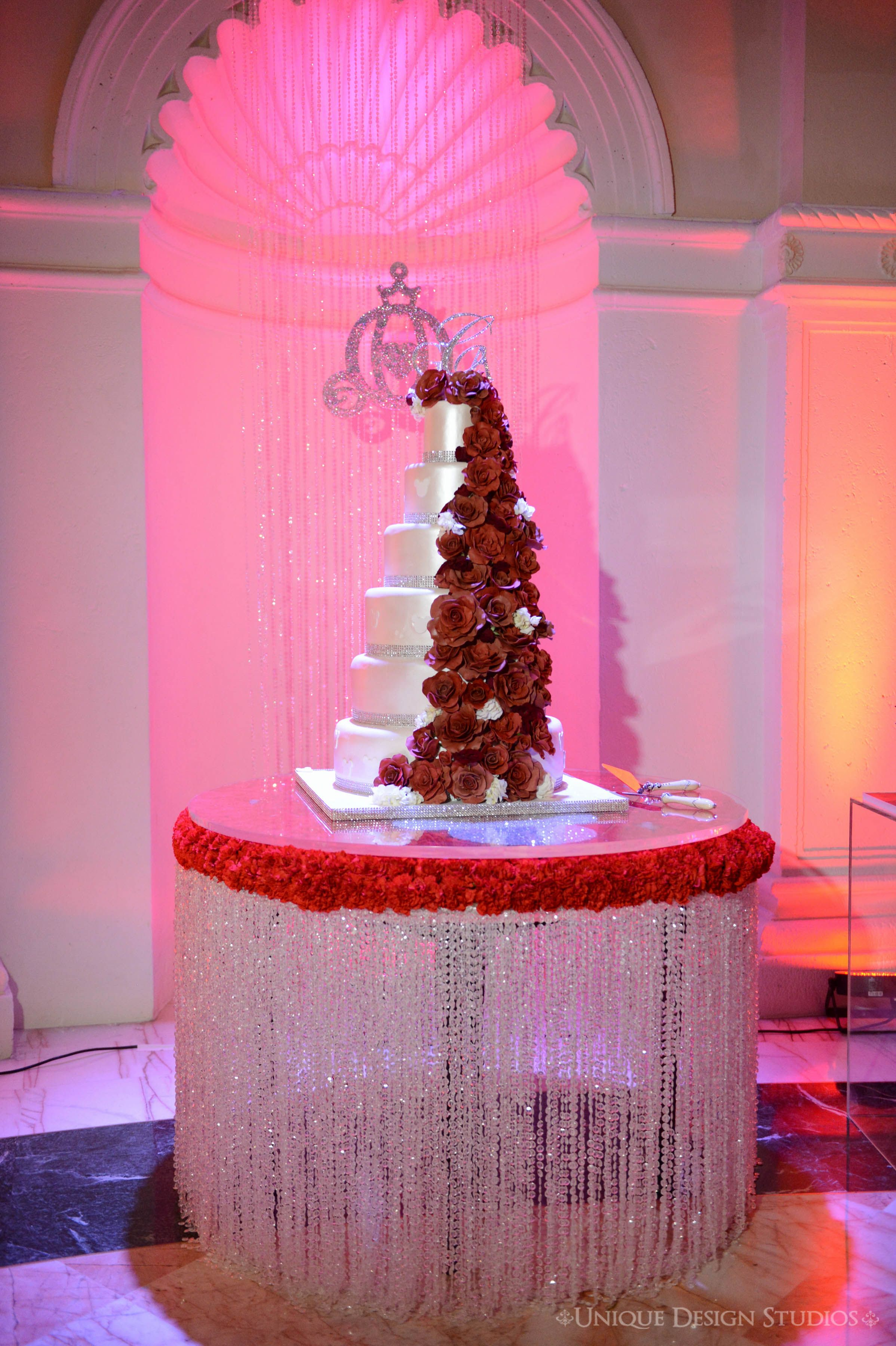 Red White & Bling for this fairytale wedding Cake design
