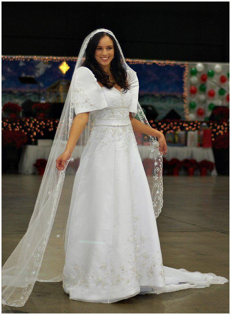 74ec8464aae beautifully designed  Filipina bridal gown