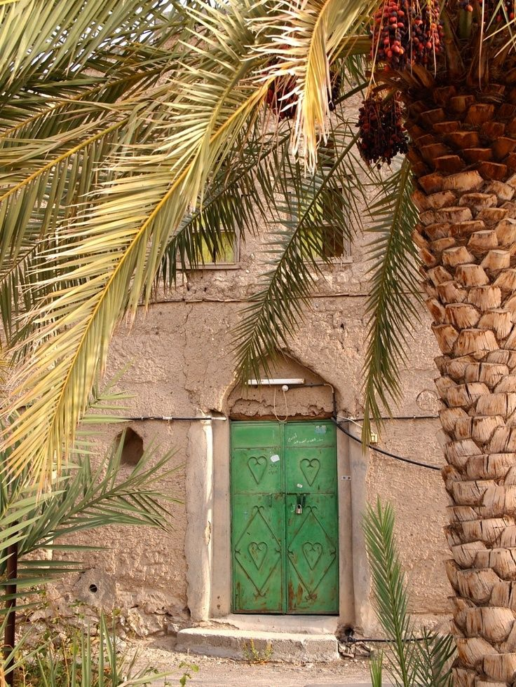 Omani Door Bahla Photo Pete Shergold With Images Oman Tour Around The World Sultanate Of Oman