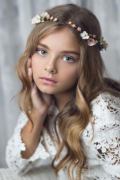 Clásico y sencillo peinados niña comunion fotos Imagen de ideas de color de pelo - corona primera comunion 2 | Peinados de comunion niña ...