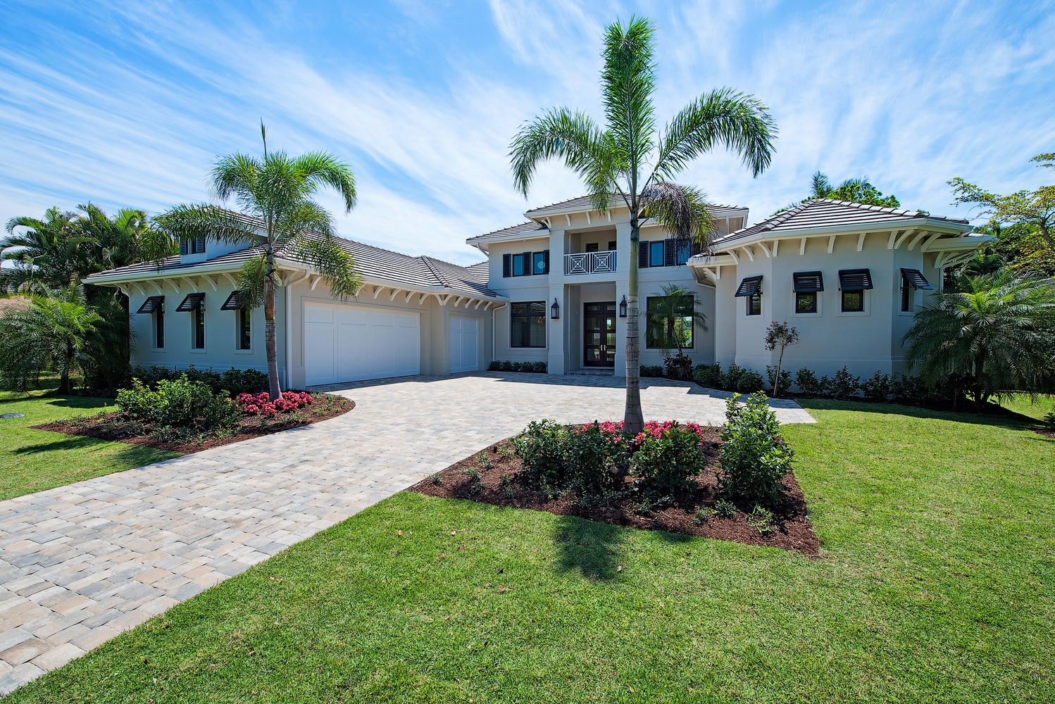 Coastal Contemporary 1 Floor Home Design Features 4 Bedrooms 4 5 Baths And A 3 Car Side Entry Garage Visit Our W Florida House Plans Florida Home House Plans