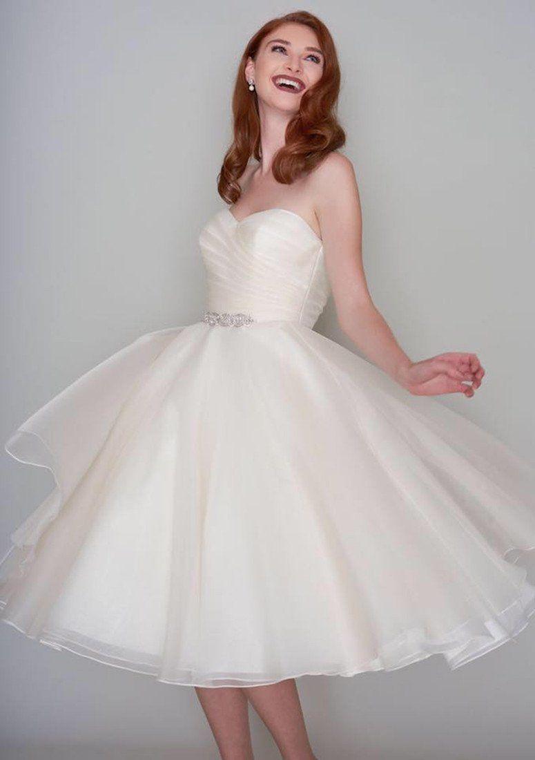 86 Missy Vintage Ivory Organza Strapless Wedding Gown