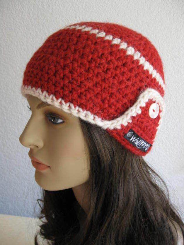 Häkelmützen - Damenmütze mit Ohrenklappen - ein Designerstück von ...