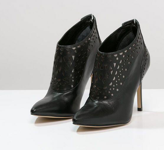 Boots Femme Zalando, craquez sur les Guess Boots à talons black prix promo  Zalando 195.00