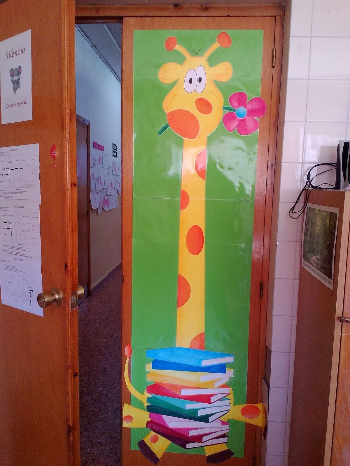 Mascota biblioteca | Carteleras y puertas | Pinterest | Bibliotecas ...