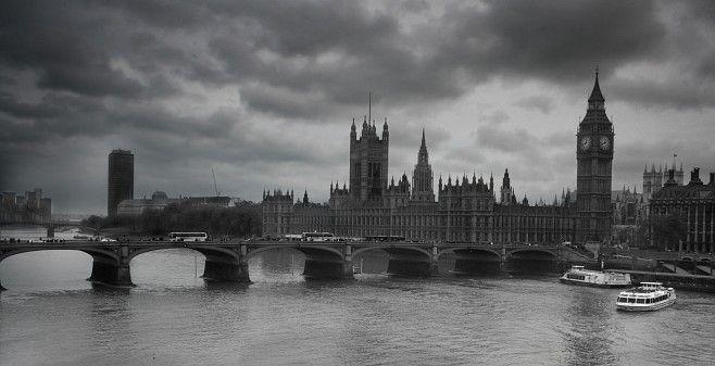 Westminster Clouds - JPG Photos