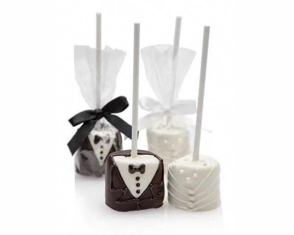 Bride and Groom Marshmallow Pops #personalizedweddingfavors