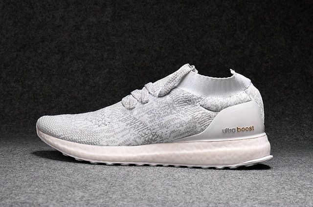 72b7b79b43c1c UK Trainers 2017 adidas Ultra Boost Uncaged White Chaussures de course     pied