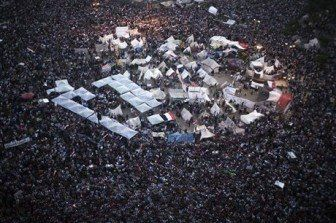 طوفان من الاعلام في ميدان التحرير