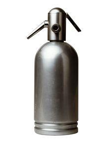 sifone per seltz  tipologia: tavola/cucina  designer: Anonimo  azienda: Saccab  anno di progettazione: 1940    Triennale Design Museum,  Collezione Alessandro Pedretti