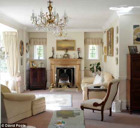 Image Detail For  Value: The Six Bedroom Edwardian House Features A Bright  Sitting