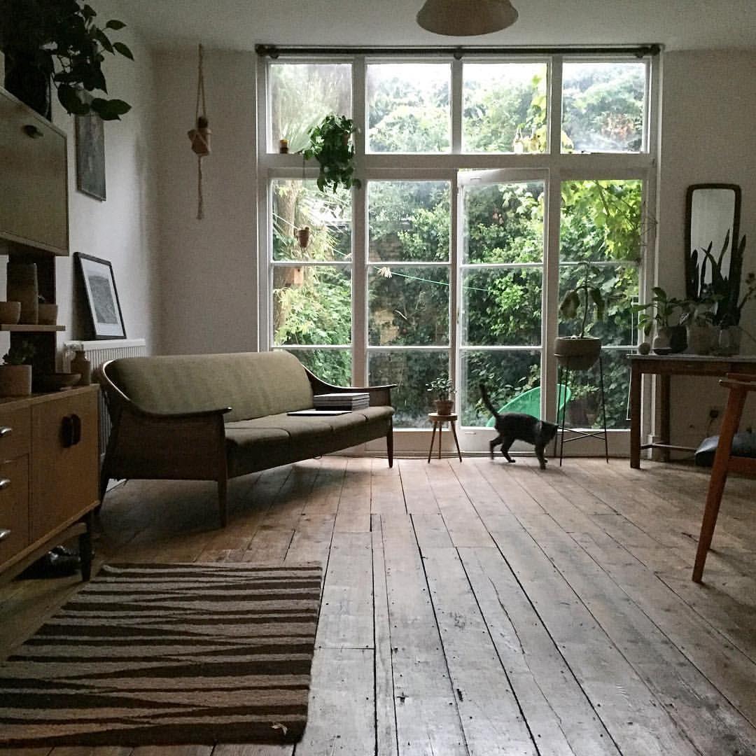 ambiance salon parquet baie vitr e chat deco pinterest maison d co maison et salon. Black Bedroom Furniture Sets. Home Design Ideas
