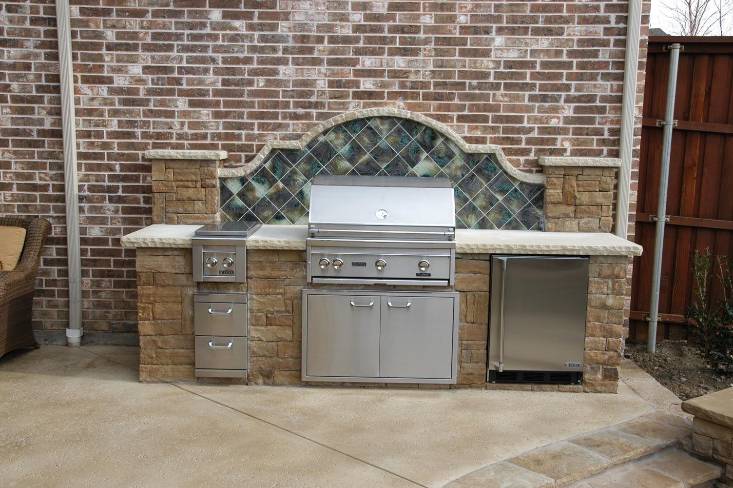 Artesian Custom Pools 9191 Kyser Way 200 Frisco Tx 75033 214 578 3395 Www Artesiancustompools Com Custom Pools Outdoor Kitchen Contemporary Gates