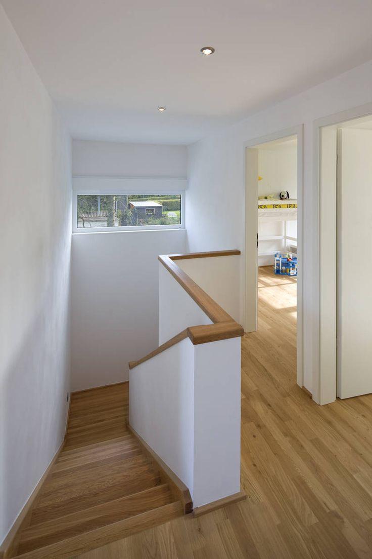 Haus flur design-ideen treppenhaus  moderner flur diele u treppenhaus von puschmann