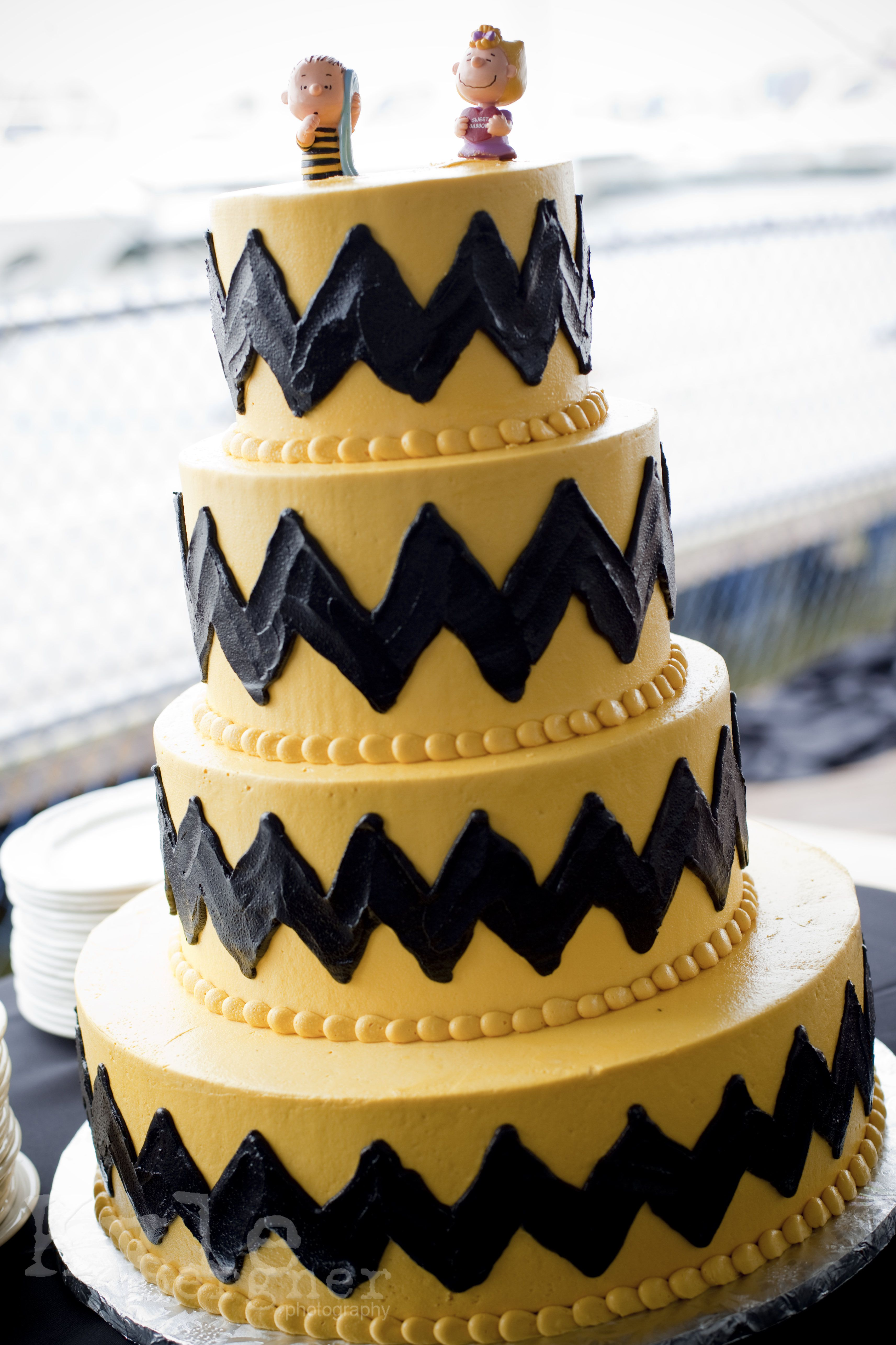Snoopy wedding cake