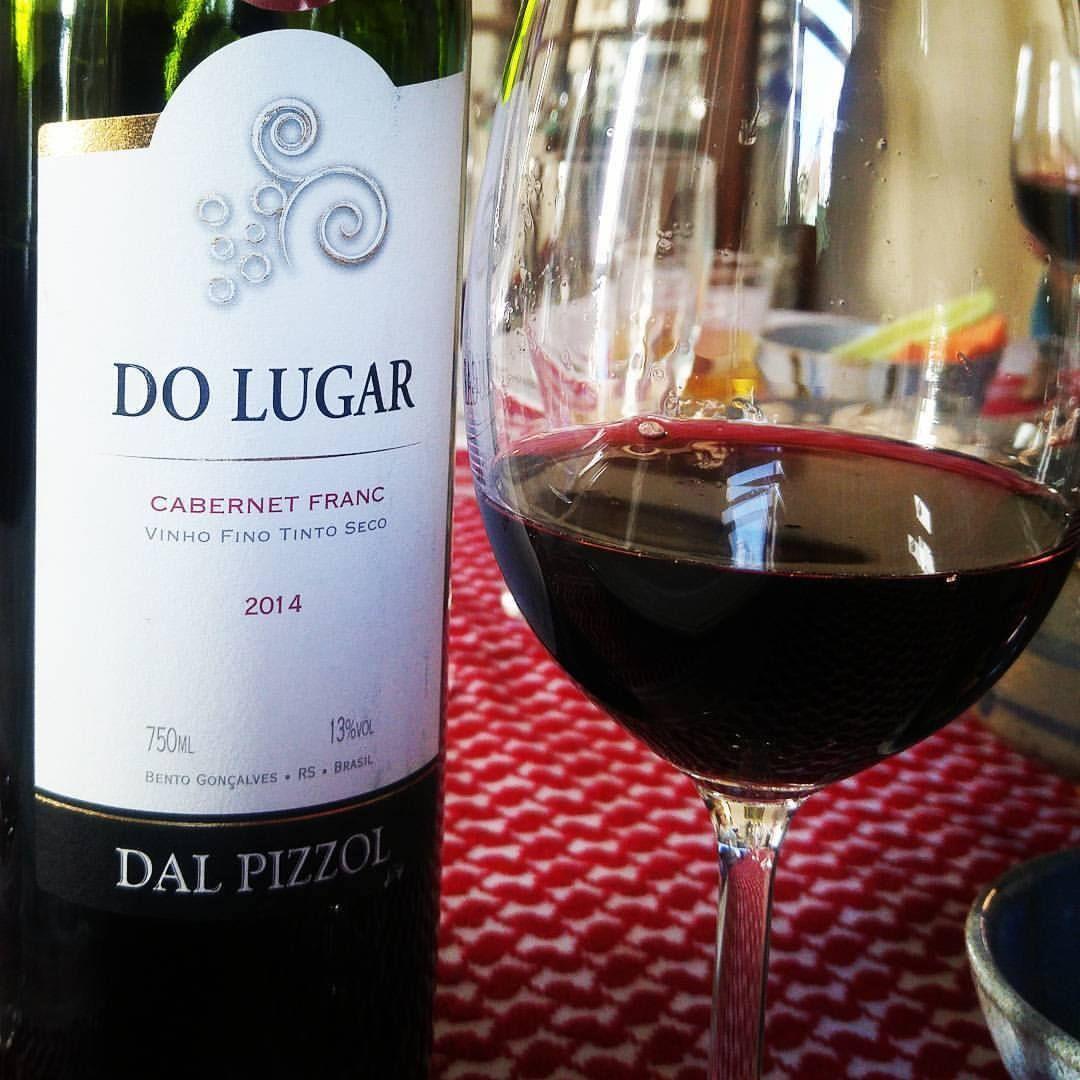 Do Lugar Cabernet Franc 2014 Elegantissimo E Aromatico Foi Otima Companhia Para Um Almoco De Comidas Arabes Belo Trabalho Da Alcoholic Drinks Wine Red Wine