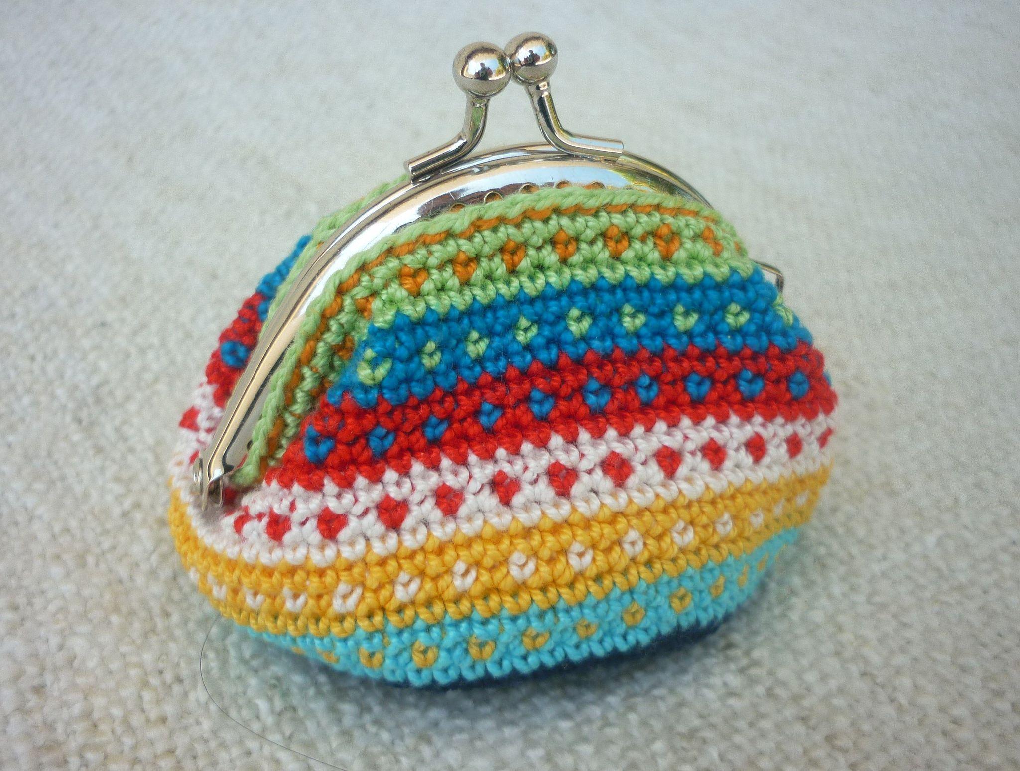 Tapestry Crochet Coin Purse   Pinterest   Gehäkelte taschen, Haken ...