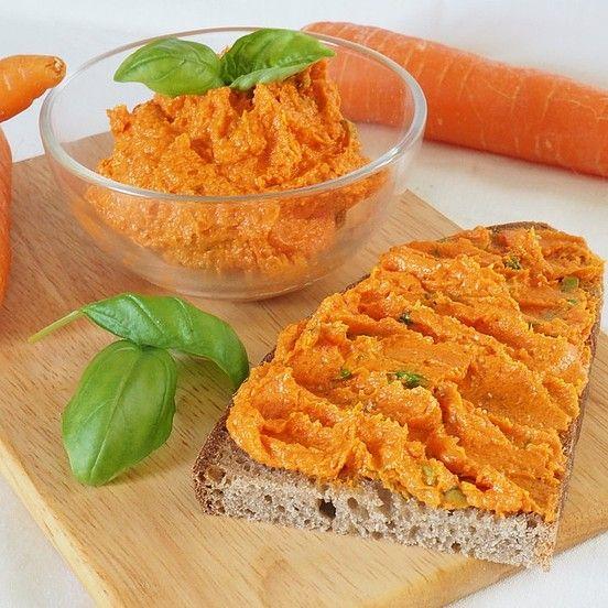 Frischer Tomaten – Karotten – Aufst