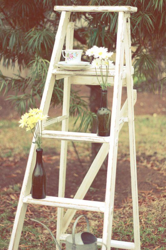 Hooray Finally Found Myself Some Ladders And Made Them Shabby Chic Perfect For Holding Place Settings Shabby Chic Ladder Romantic Decor Decor