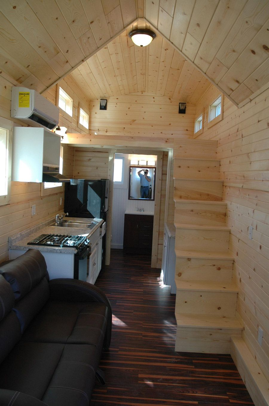 A 280 square feet tiny house mounted to a 26′ trailer in Nampa ...
