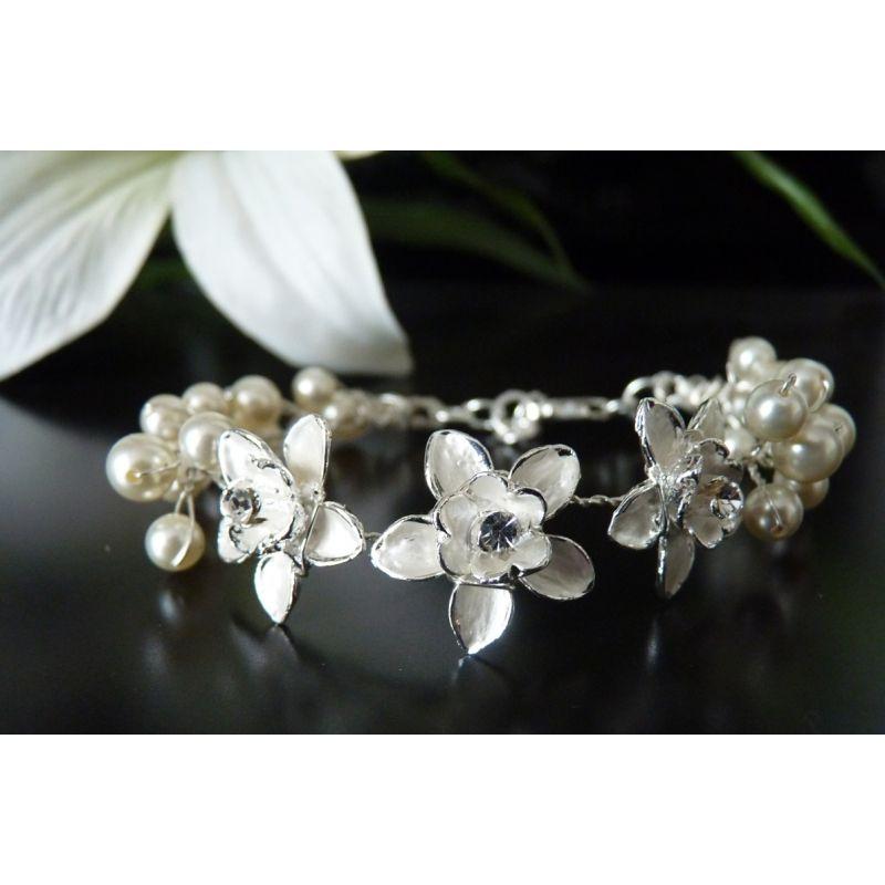 Armband Roses mit creme Perlen
