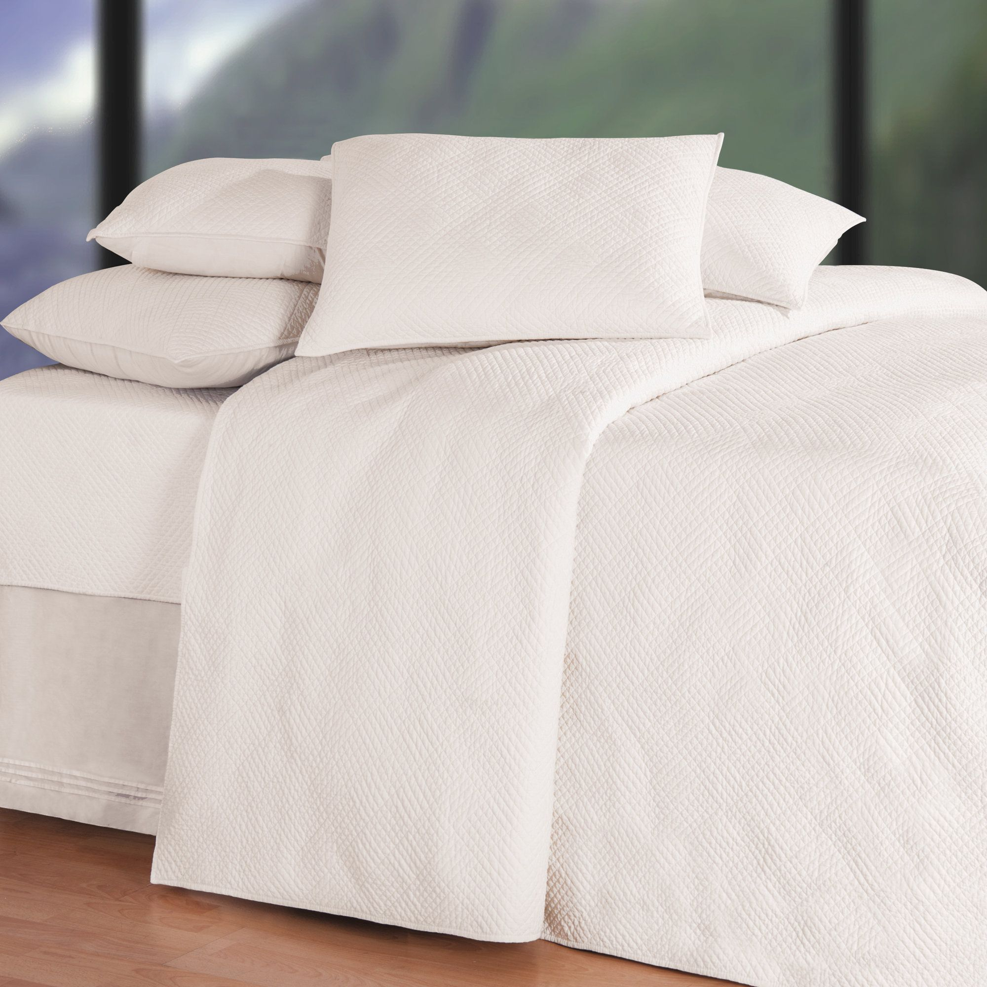 Ronnie Soft Matelasse Quilt White Quilt Bedding Most Comfortable Sheets Online Bedding Stores