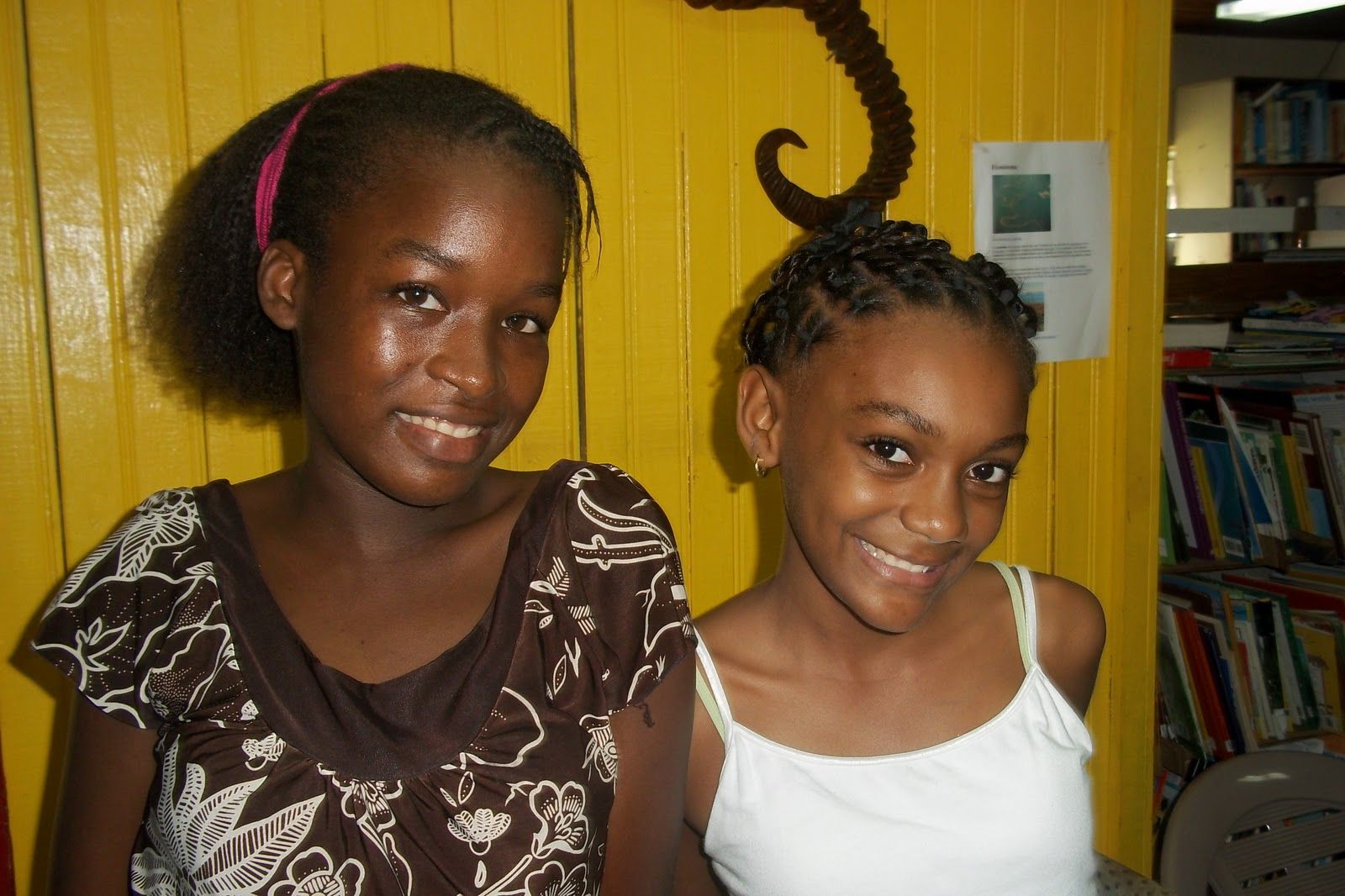 Roatan girls