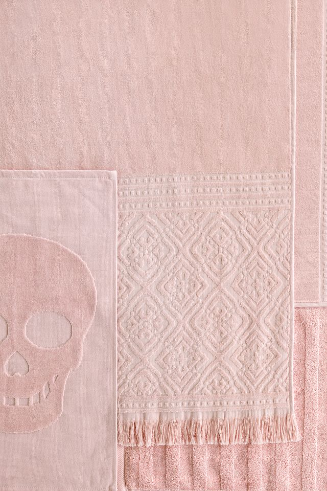 Soft new towels in beautiful seasonal colours are an easy