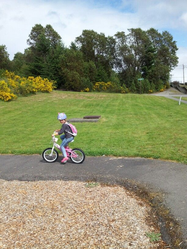 My Niece Jocelyn Riding Her Bike Without Training Wheels Yay