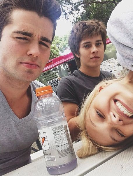 Olivia Holt Hanging Out With Billy Unger And Spencer Boldman May 23, 2013