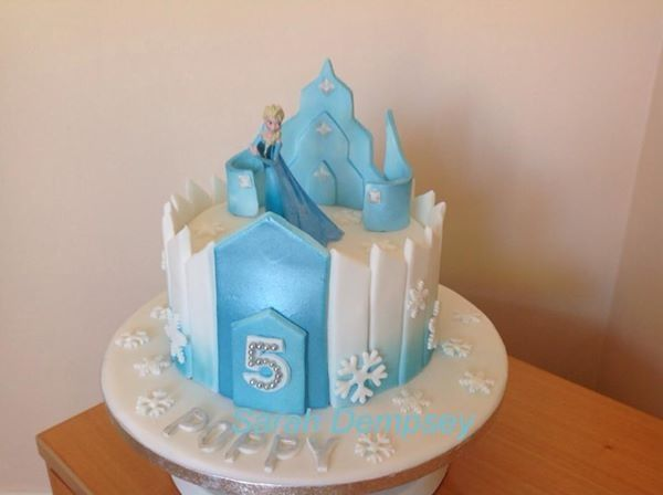 Single Tier Frozen Castle Cake With Images Frozen Cake Frozen
