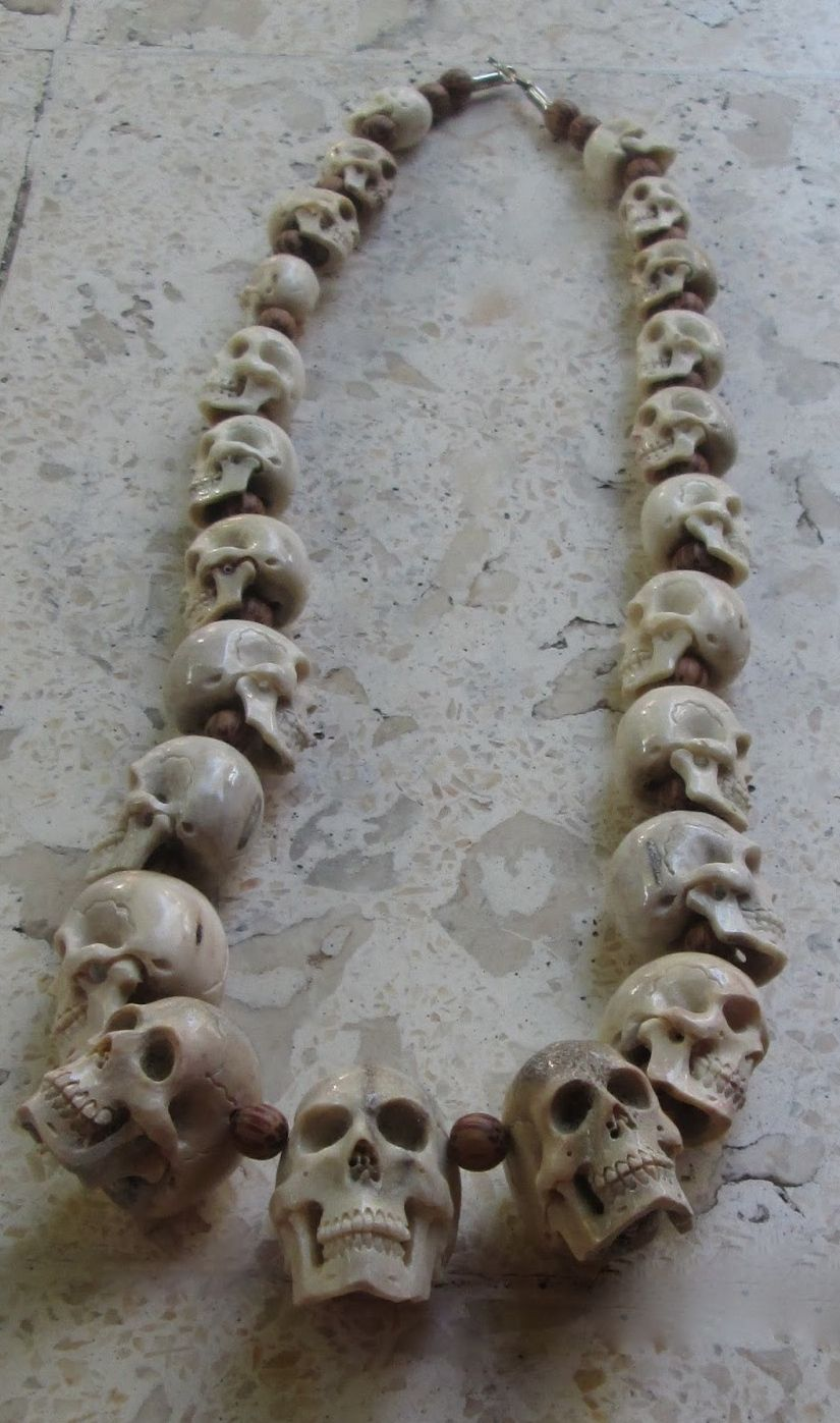"""☆ Skull Necklace Carved in Antlerゝ。From """"The Three Angles Collections ☆"""
